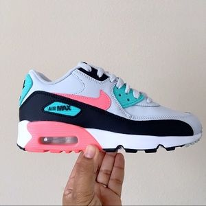 Women's Nike Air Max 90 LTR Size 5.5